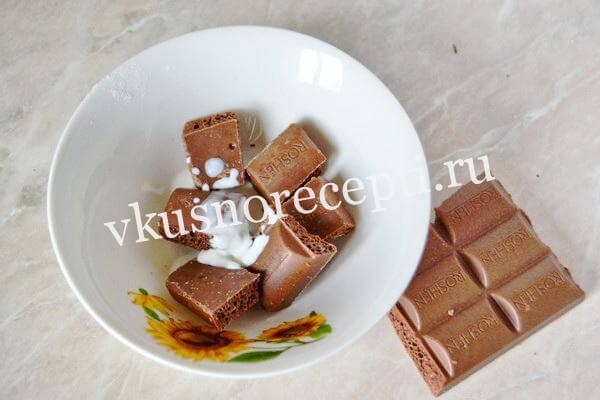 Пасхальный кулич с шоколадной глазурью