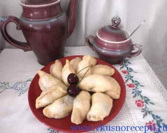 Как приготовить вареники с вишней рецепт с пошагово простой рецепт