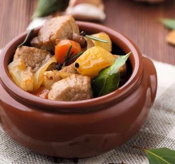 рецепт горшочков в духовке с мясом и картошкой
