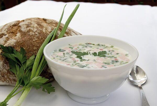 Рецепт окрошки с колбасой на кефире