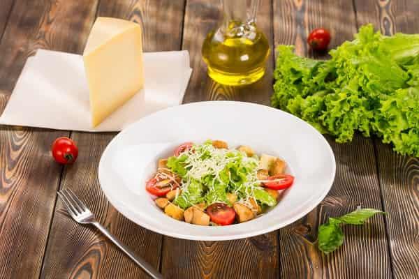 Рецепт салата Цезарь с курицей