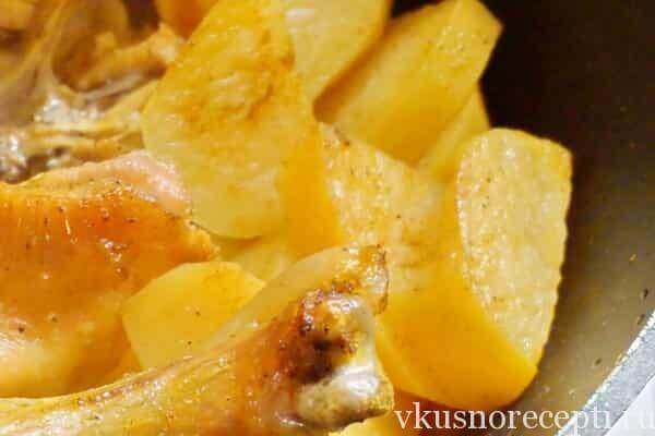 Курица в духовке целиком с картошкой рецепт с фото
