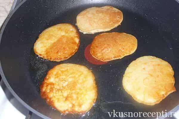 Быстрый пирог без яиц с вареньем рецепт 6