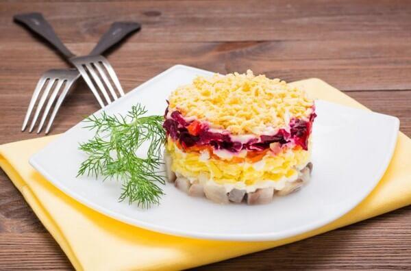 Селёдка под шубой рецепт классический с яйцом