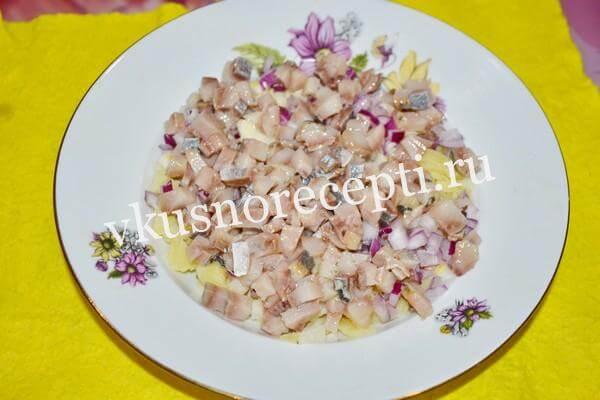 Селёдка под шубой рецепт классический с яйцом: слой селедки