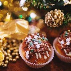 Десерты на Новый год 2022: рецепты новогодних десертов