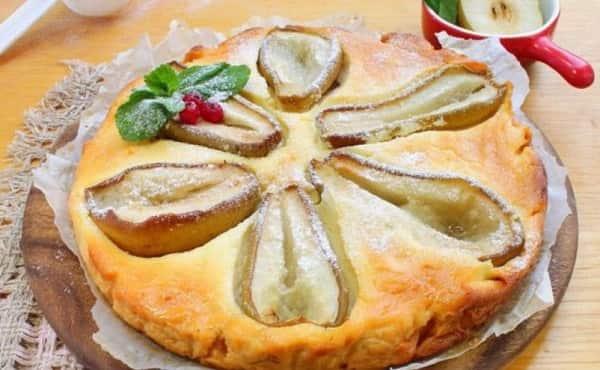 Творожный десерт с грушей