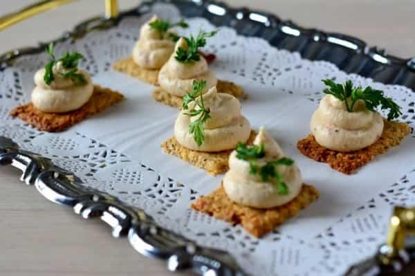 Закуска из рыбы праздничная с творожным сыром