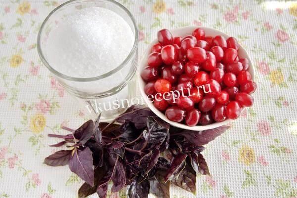Ингредиенты для варенья из кизила с косточкой и базиликом