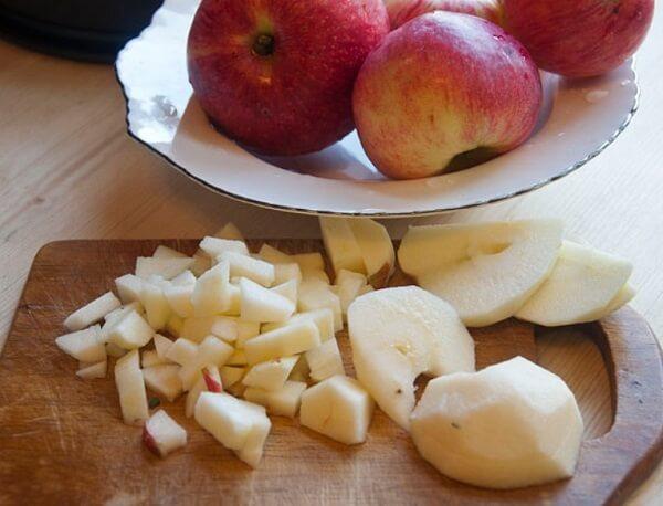 Салат из кальмаров с яблоками