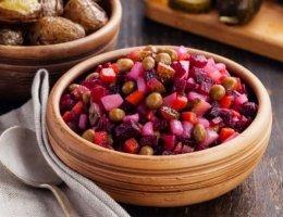 Салат винегрет с горошком